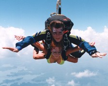 sky diving couple